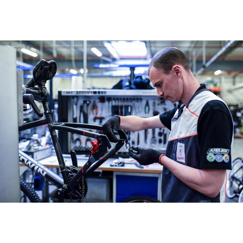 Filetage / taraudage du vélo du patte de dérailleur ou boitier de pédalier