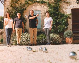 Les boules de pétanque loisir sont idéales pour vos parties estivales.