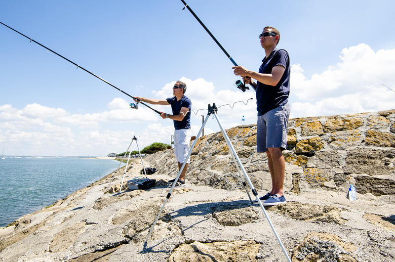 Telescopic tripod for 4 rods fishing at sea