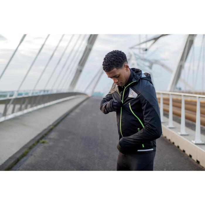 CHAQUETA DE RUNNING PARA HOMBRE KIPRUN EVOLUTIVE NEGRO AMARILLO