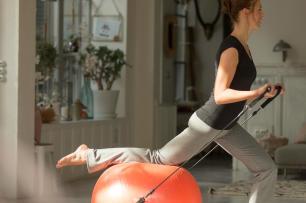 femmes sport à la maison remise au sport