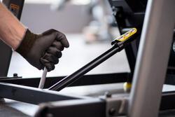 Vervangen van de hydraulische cilinder om een loopband open/dicht te klappen