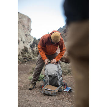 Sac à dos Trekking TRAVEL500 50 litres Homme cadenassable gris