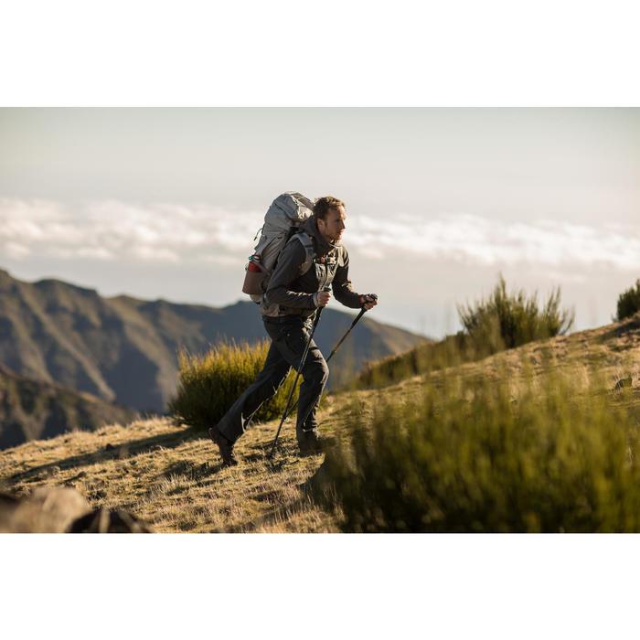 Chaqueta softshell trekking montaña TREK 900 HYBRID hombre gris