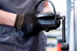 Vervangen van de twee pedalen van een hometrainer