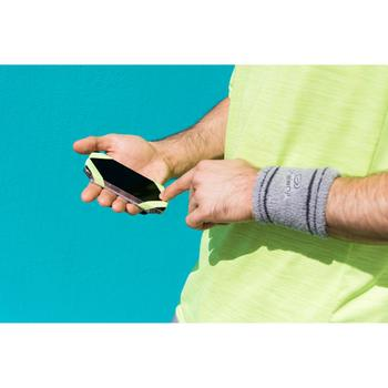 PORTAGE SMARTPHONE A LA MAIN RUNNING GRIS