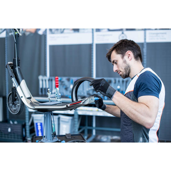 Wechsel der Bremse und des hinteren Schutzblechs deines Rollers