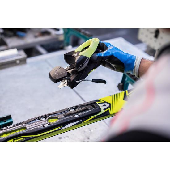 Verplaatsen van de bindingen van ski's