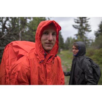 Cape de pluie trekking montagne - FORCLAZ 75 litres - Taille L/XL rouge