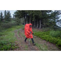 Cape de pluie trekking montagne - FORCLAZ 75 litres - Taille S/M rouge