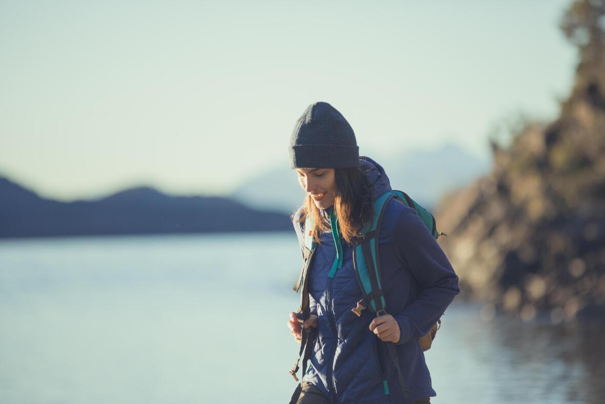 在登山活動中,建議保持水分的攝取