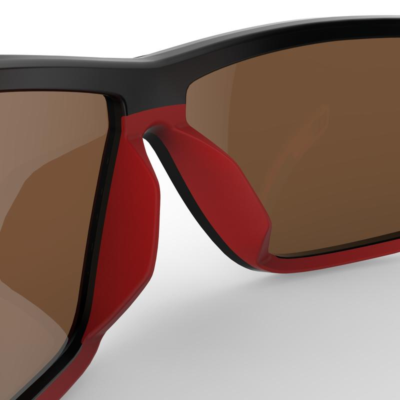 Adult Hiking Sunglasses Category 4 Polarised MH570 - Black/Red