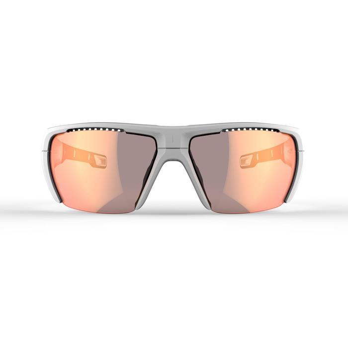Zonnebril MH 590 voor wandelen, volwassenen, wit/oranje fotochrom. cat. 2 => 4