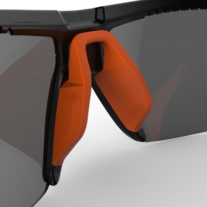 Lunettes de randonnée adulte MH 590 noires et orange polarisantes catégorie 4