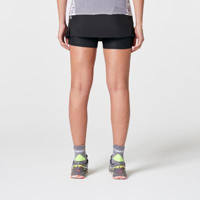 جيبة شورت للجري في المسارات للسيدات- سوداء