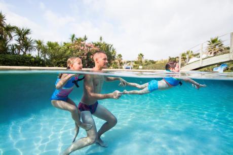 apprendre-a-etre-autonome-dans-l-eau