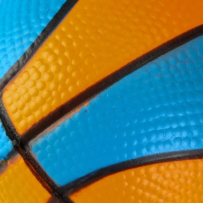 Mini ballon de basketball Mousse. Parfait pour jouer sur les mini paniers. - 126452