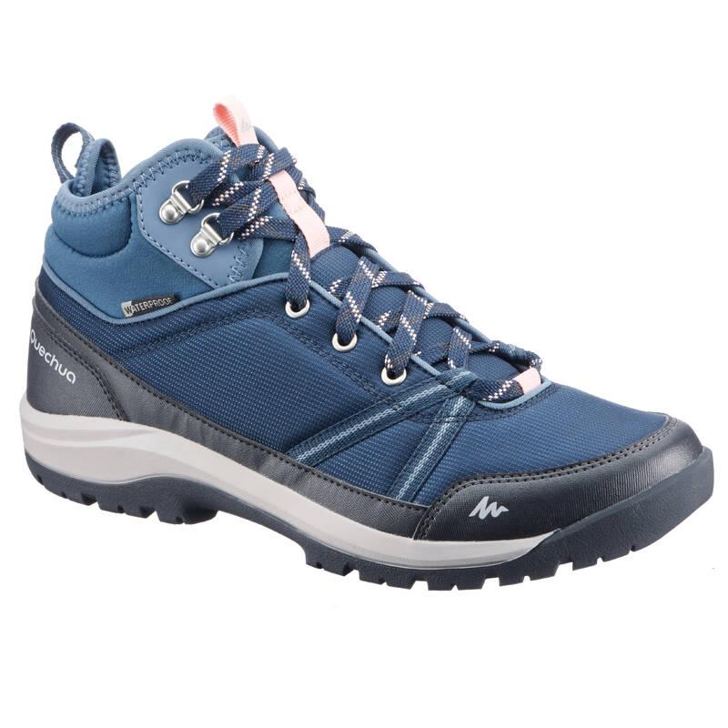 DÁMSKÉ BOTY NA NENÁROČNOU TURISTIKU Turistika - Nepromokavé boty NH 150 modré QUECHUA - Turistická obuv
