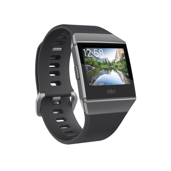 Smartwatch Ionic met hartslagmeting aan de pols, gps en muziek