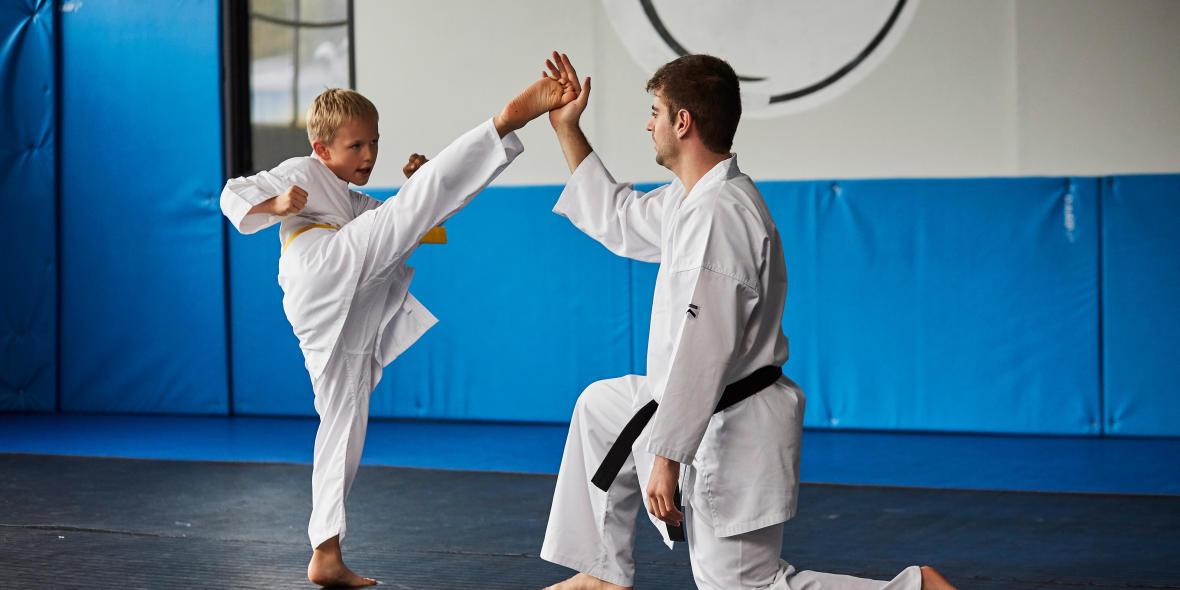 le karate est un sport parfait pour les enfants de 8 ans