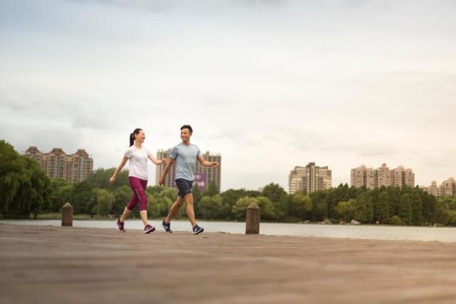 Marche Sportive Le Sport Ideal Pour Muscler Les Cuisses Et Les