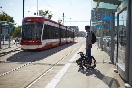 conseils-quel-vae-pour-quels-pratiques-homme-métro-vélo-pliant-tilt-500