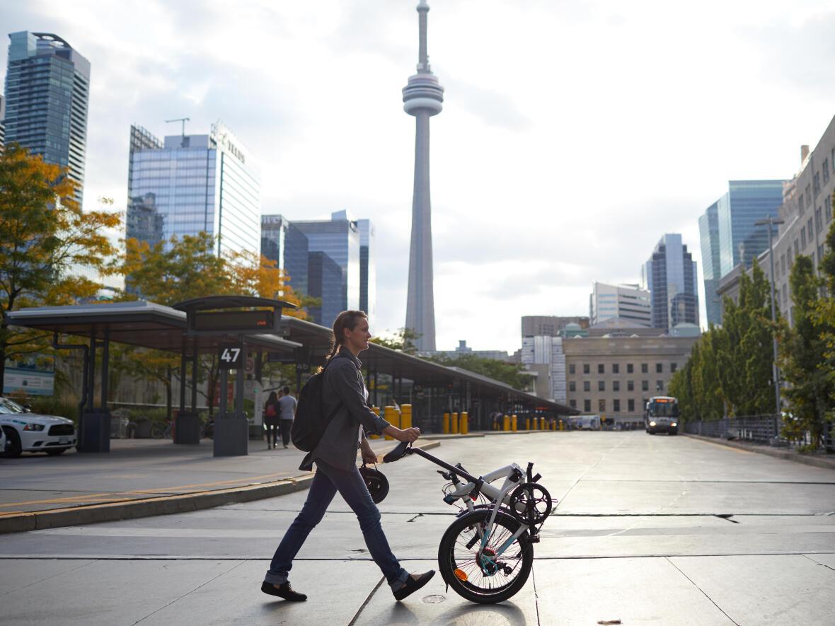 vélo-pliant-leger-mobilité-urbaine