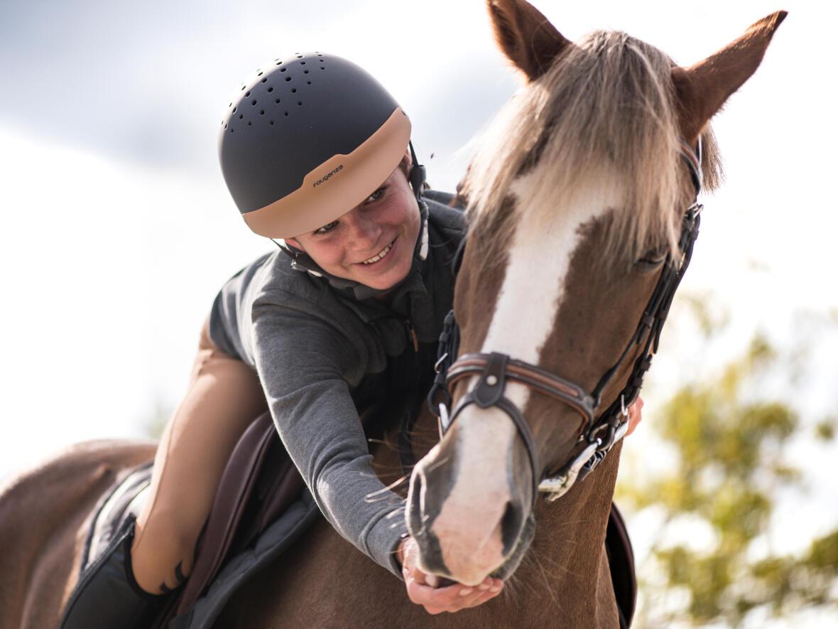 Alt/le horse-ball