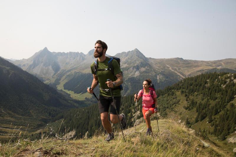 MH500 Men's Short-Sleeved Mountain Hiking T-shirt - Grey