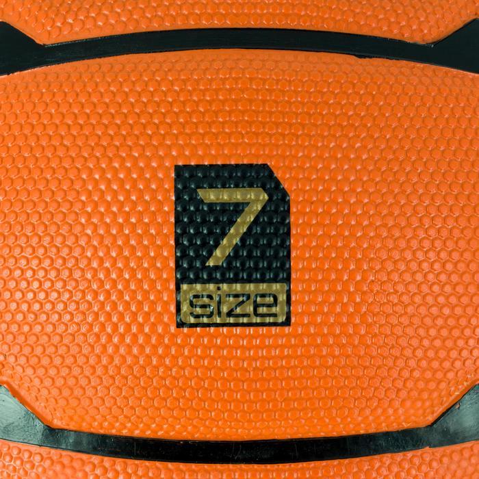 Ballon de basket homme B300 taille 7 orange. Pour débuter. A partir de 12 ans.