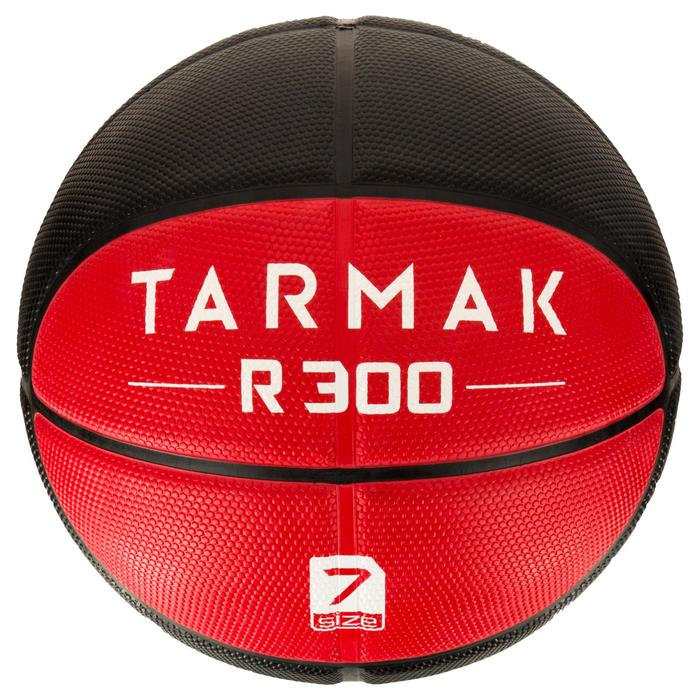 Ballon de basket homme R300 taille 7 noir. Résistant. A partir de 14 ans. - 1284456