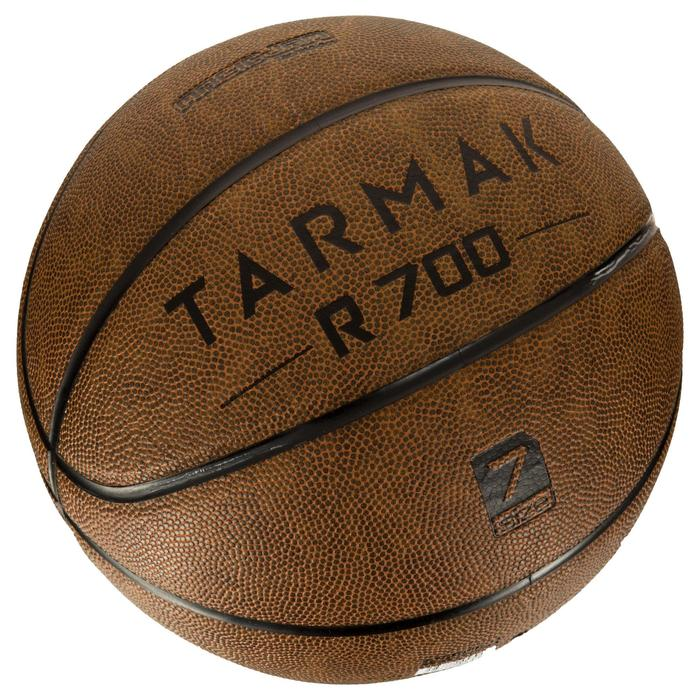 Ballon de basket adulte R700 taille 7 marron. Super toucher de balle - 1284529