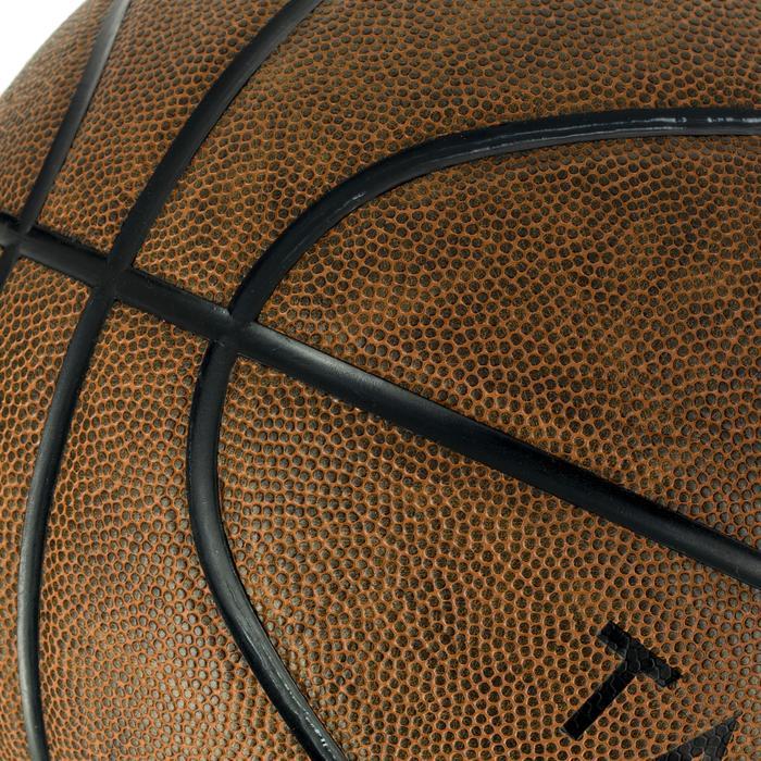 Basketbal R700 maat 7 volwassenen bruin. Uitmuntende baltoets.