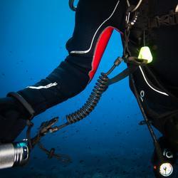Leash met gesp voor duiklamp, met spiraalsnoer en ring