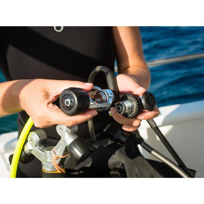 Adaptador para regulador de submarinismo DIN/INT estribo SCD