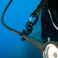 SCD holder for two SCUBA diving hoses