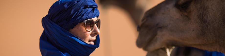 se protéger les yeux des tempêtes de sable dans le désert