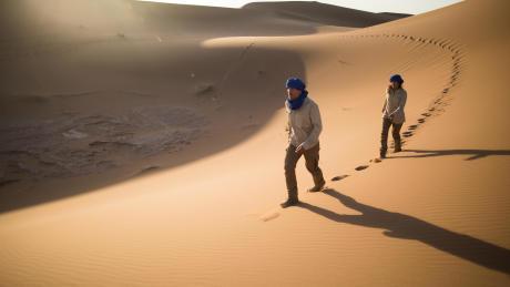 desert-trekking-sand