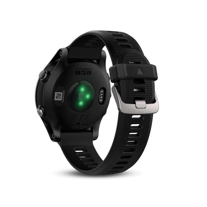 Montre GPS Forerunner 935 XT avec cardio au poignet noire - 1288479