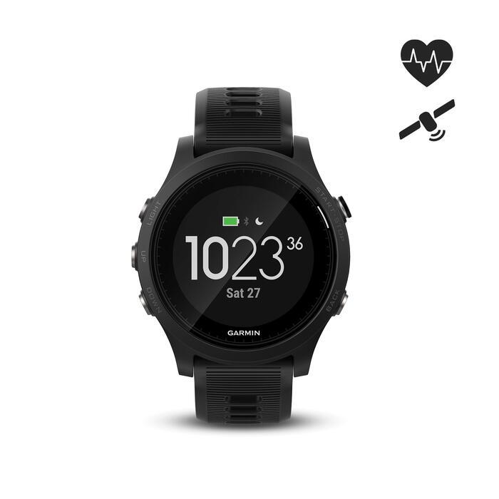 Montre GPS Forerunner 935 XT avec cardio au poignet noire