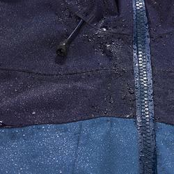 Waterdichte jas voor bergtrekking dames Trek 500 blauw