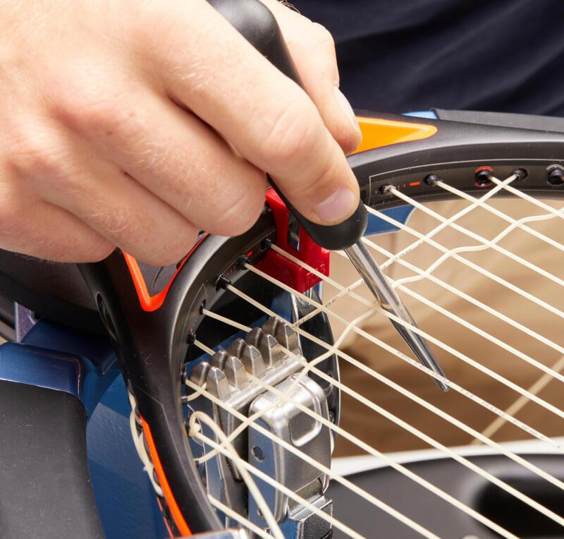 pose cordage tennis
