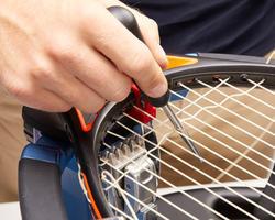 pose cordage tennis...