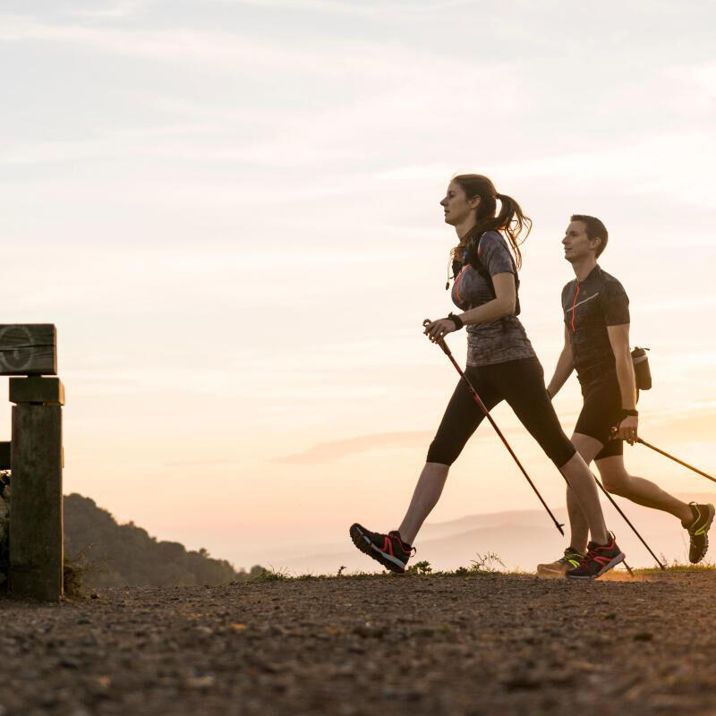 Qual è la differenza tra i bastoncini da nordic-walking e quelli da escursionismo?
