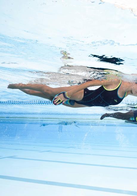 Comment se raffermir avec la natation