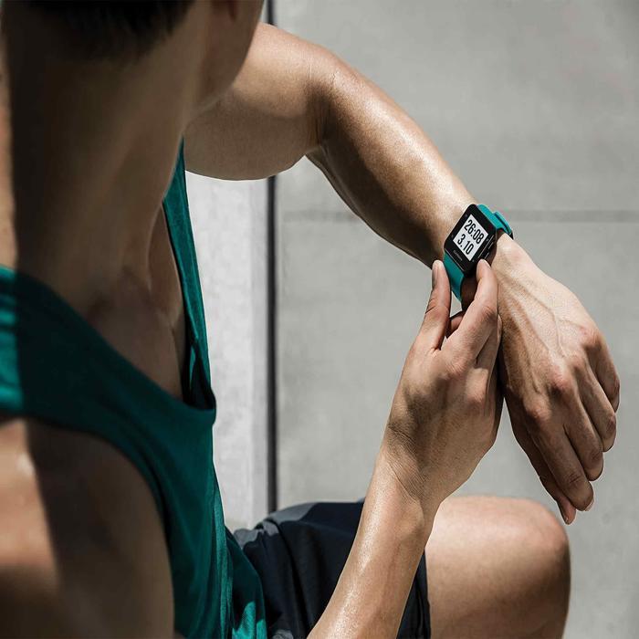 Gps-horloge met hartslagmeting aan de pols Forerunner 30 zwart