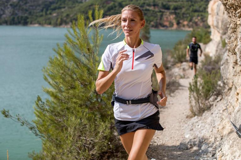 跑步記得補充水分 避免脫水