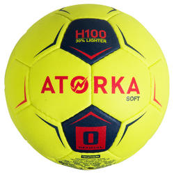 Ballon de handball enfant H100 souple T0 jaune / rose