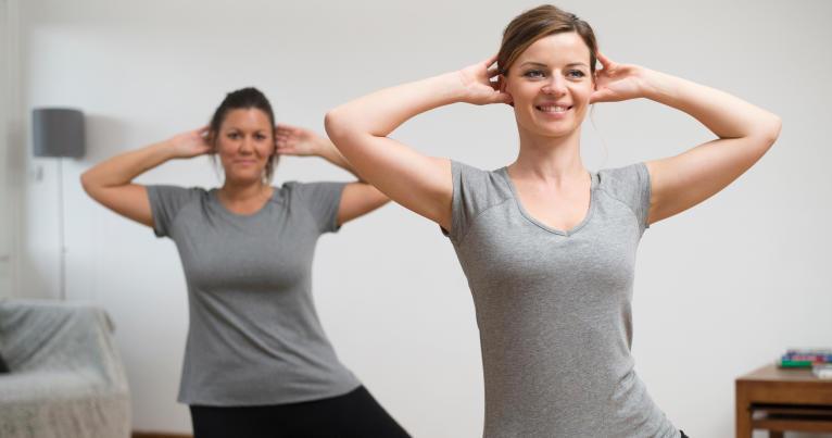 conseils-core-stability-cest-bon-pour-tous-exercice-femme-equilibre-gainage
