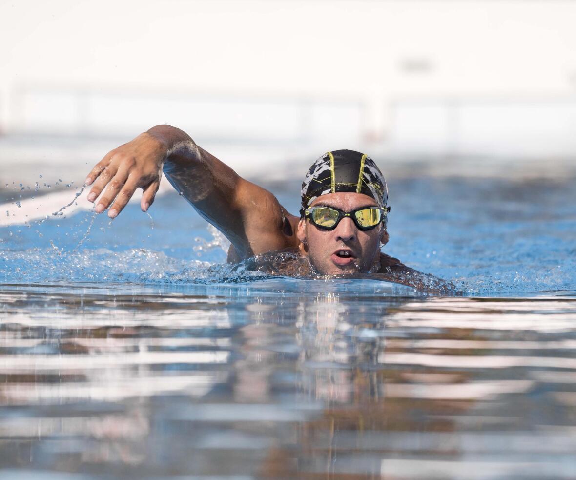 Maintenir le rythme et nager de longues distances